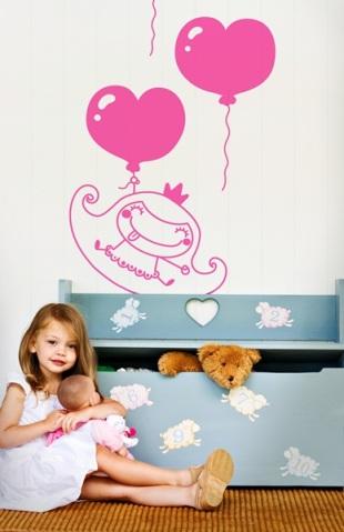 Vinilo Infantil Princesa con Globos de Corazones